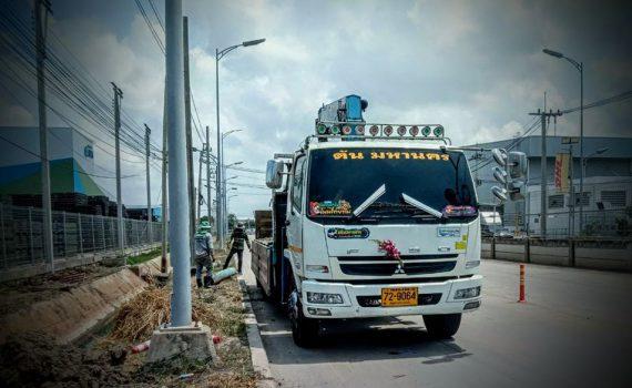 รถรับจ้าง-ชลบุรี บริการรถเฮี๊ยบ รถบรรทุกติดเครน 3 ตันถึง 10 ตัน มีทั้ง 6 ล้อและสิบล้อ (12)