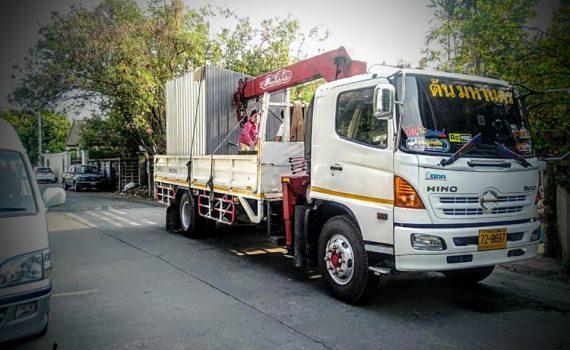 รถรับจ้าง-ชลบุรี บริการรถเฮี๊ยบ รถบรรทุกติดเครน 3 ตันถึง 10 ตัน มีทั้ง 6 ล้อและสิบล้อ (27)
